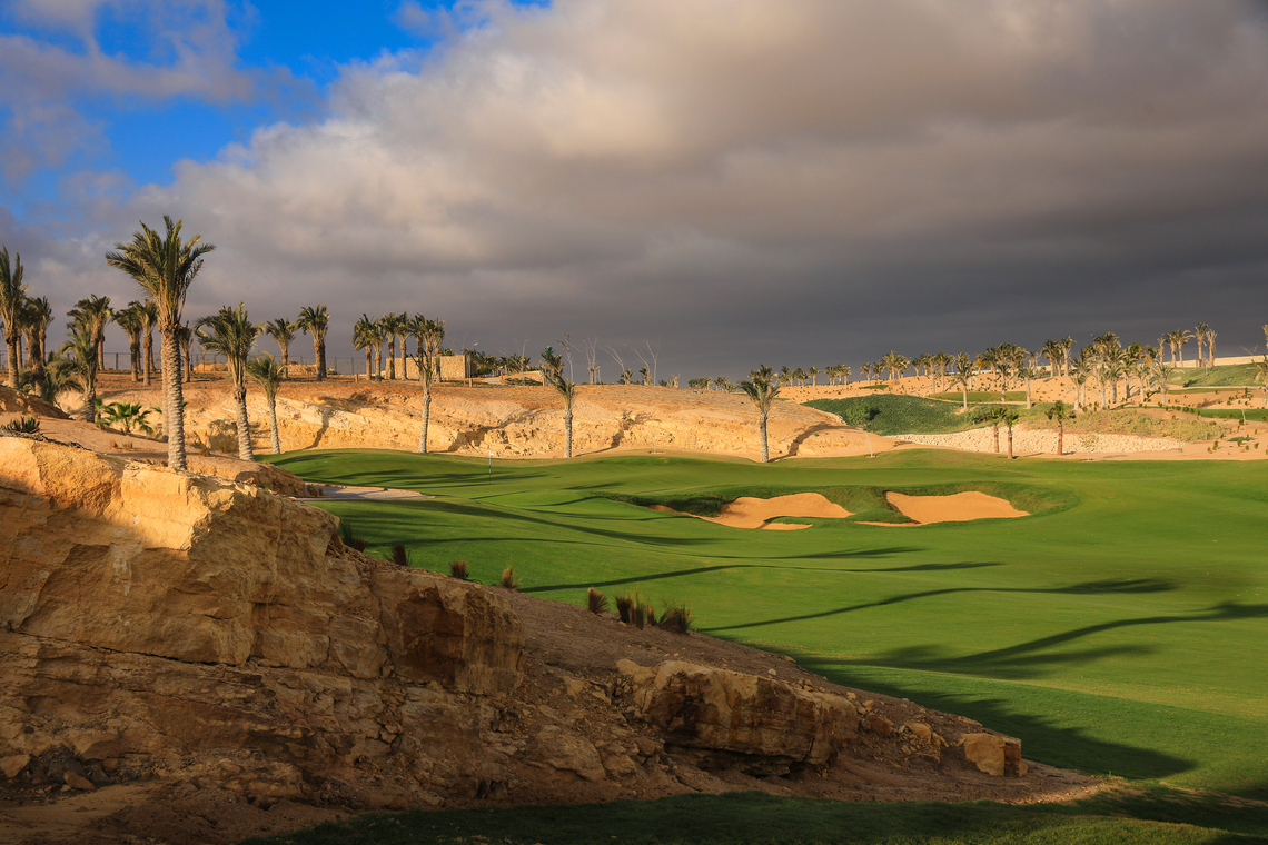 NEWGIZA - The 3rd hole with quarry features highlighted in the golf strategy.